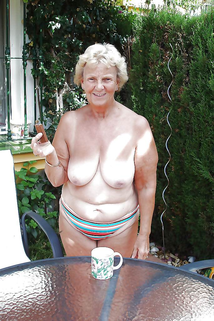 Older grandma women huge tits